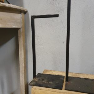 Standaard voor krans/kandelaar - 65,5 cm hoog
