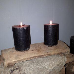 Oud houten bajotje met kaarsenhouders